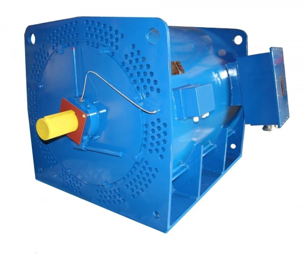 Medium voltage motor with tube cooling